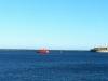 Pilotbåden Merkur ved Lange Linie. Den følger slæbebåden Tessa V 3. marts 2013