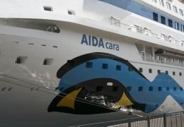 AIDAcara ved Lange Linie 2. maj. 2014